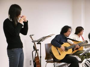 ギター弾き語りミニコンサート